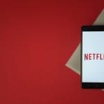 Regarder Netflix en très haut débit avec la box internet en promo de Noël chez SFR