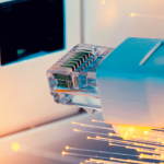 Box internet fibre optique sans engagement : les offres de RED by SFR et Sosh décryptées