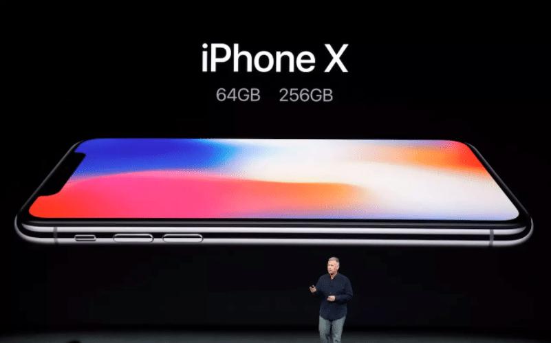 Le 12 septembre, lors de la keynote, Apple a présenté l'iPhone X.
