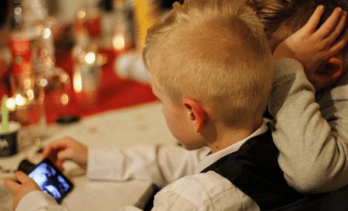 Les enfants passent beaucoup de temps sur internet, d'où la nécessite d'un contrôle parental strict