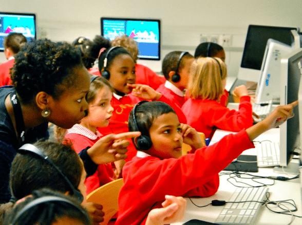 Le numérique à l'école, entre nécessité et problématique.