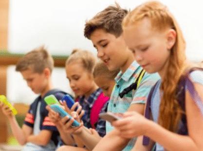 Les enfants et l'utilisation du portable dans les écoles, une problématique pas juste numérique.
