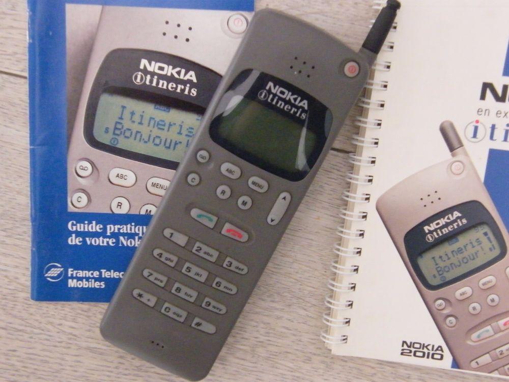 Les SMS ont vraiment pu être envoyés à partir de 1994 grâce à Nokia