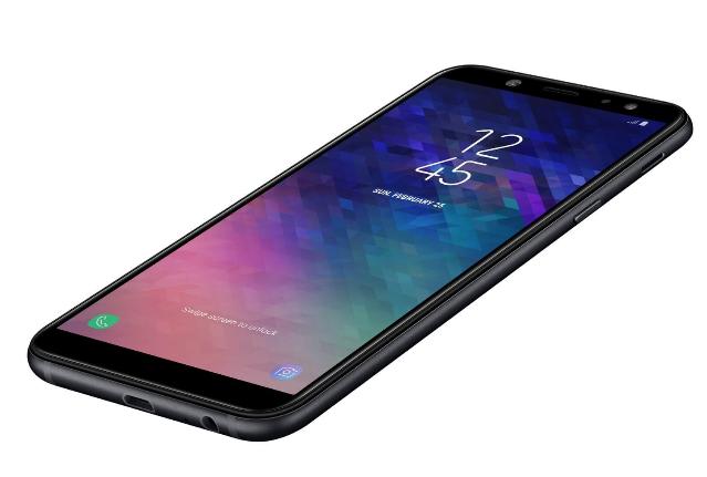 Le Galaxy A6+ de Samsung.