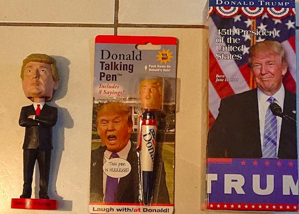 Des jouets Donald Trump fabriqués en Chine, comme ceux d'Apple.