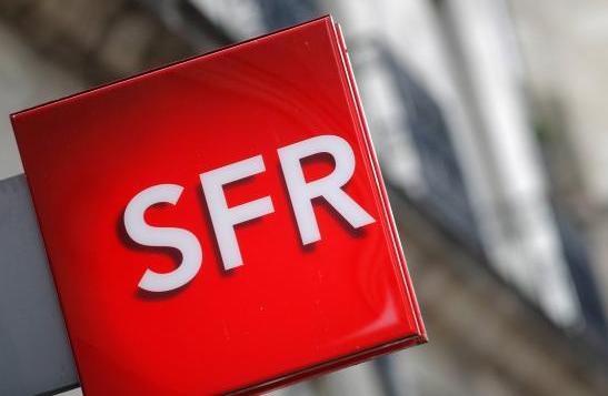SFR, concurrent de Free Mobile, doit bloquer des smartphones.