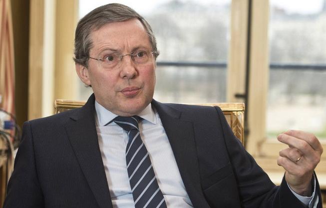 Philippe Bas, du Sénat, présidait la session contre les démarchages commerciaux.