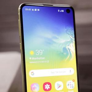Samsung Galaxy S10e pas cher chez Bouygues Telecom.